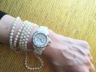 時を共に刻む、モードラバーの腕時計