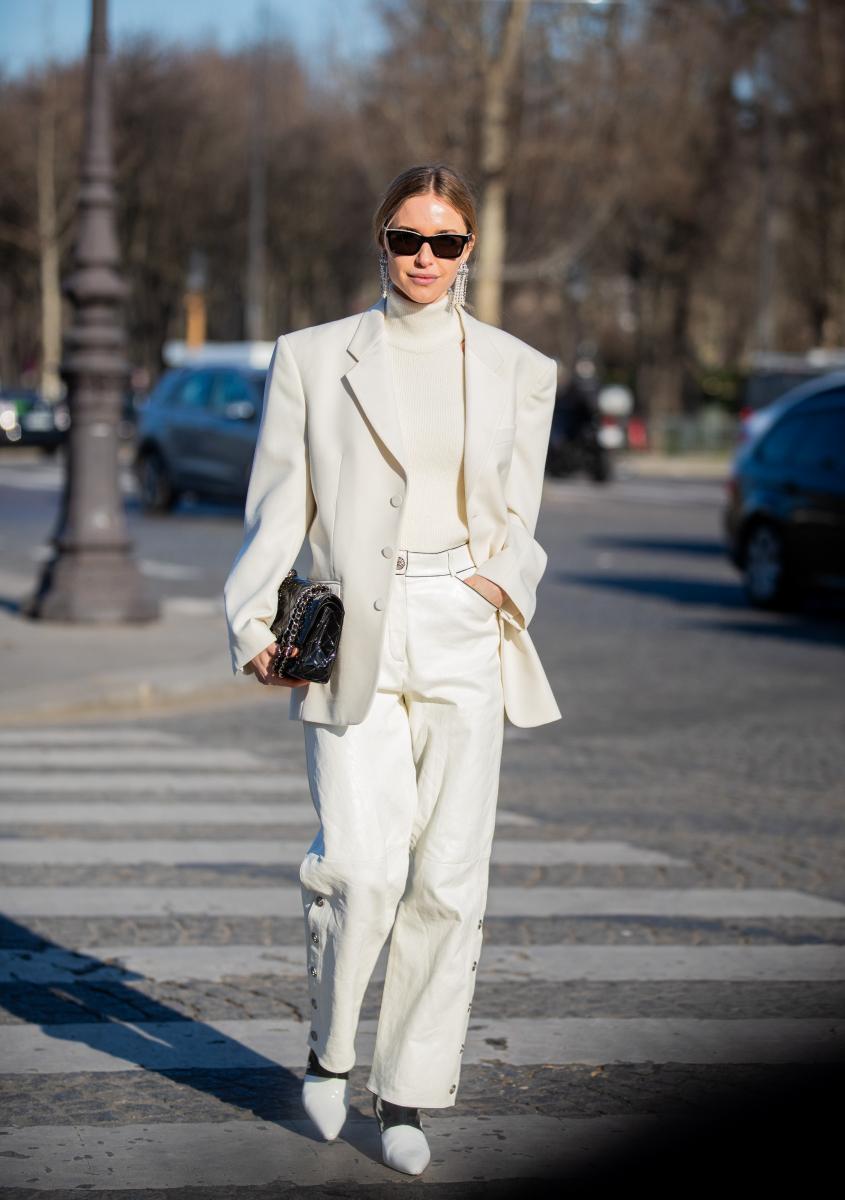 ハンサムなオールホワイトのジャケットスタイル