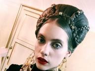 つくり込まれたヘアメイクが美しい、ドルチェ&ガッバーナ