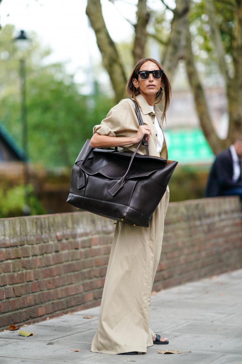 人気シリーズのバッグに超ビッグサイズが!