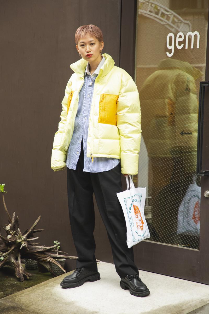 フレッシュな色が決め手のダウンジャケット・スタイル