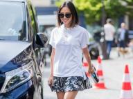 スタッズつきTシャツでつくるモードなミニスカートスタイル