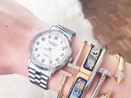 時計&ブレスレットのミックススタイリング