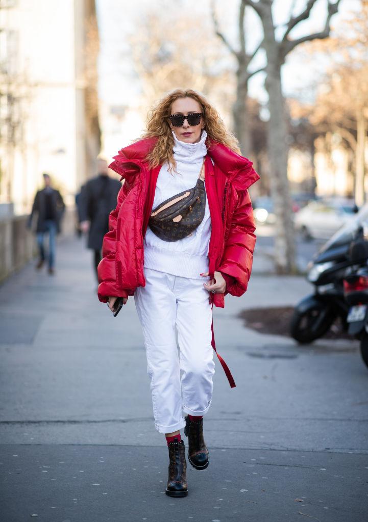 オールホワイト×赤のフレッシュなスタイリング