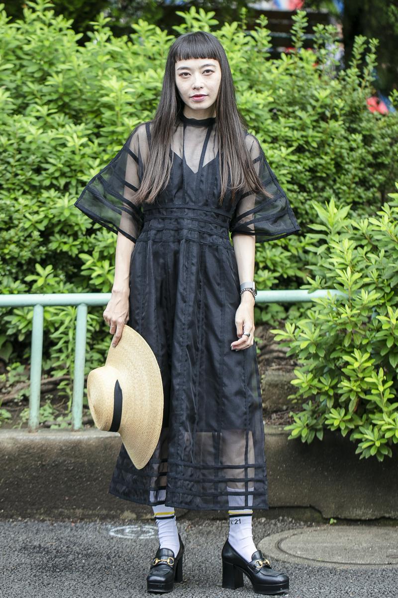 センシュアルなドレスでつくる「夏のお嬢さん」ルック