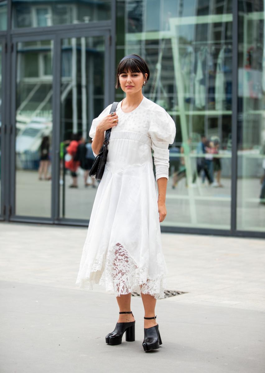甘い純白ドレスにエッジを加えて