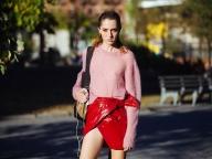 秋いちばんに着たいのは、モードなピンク