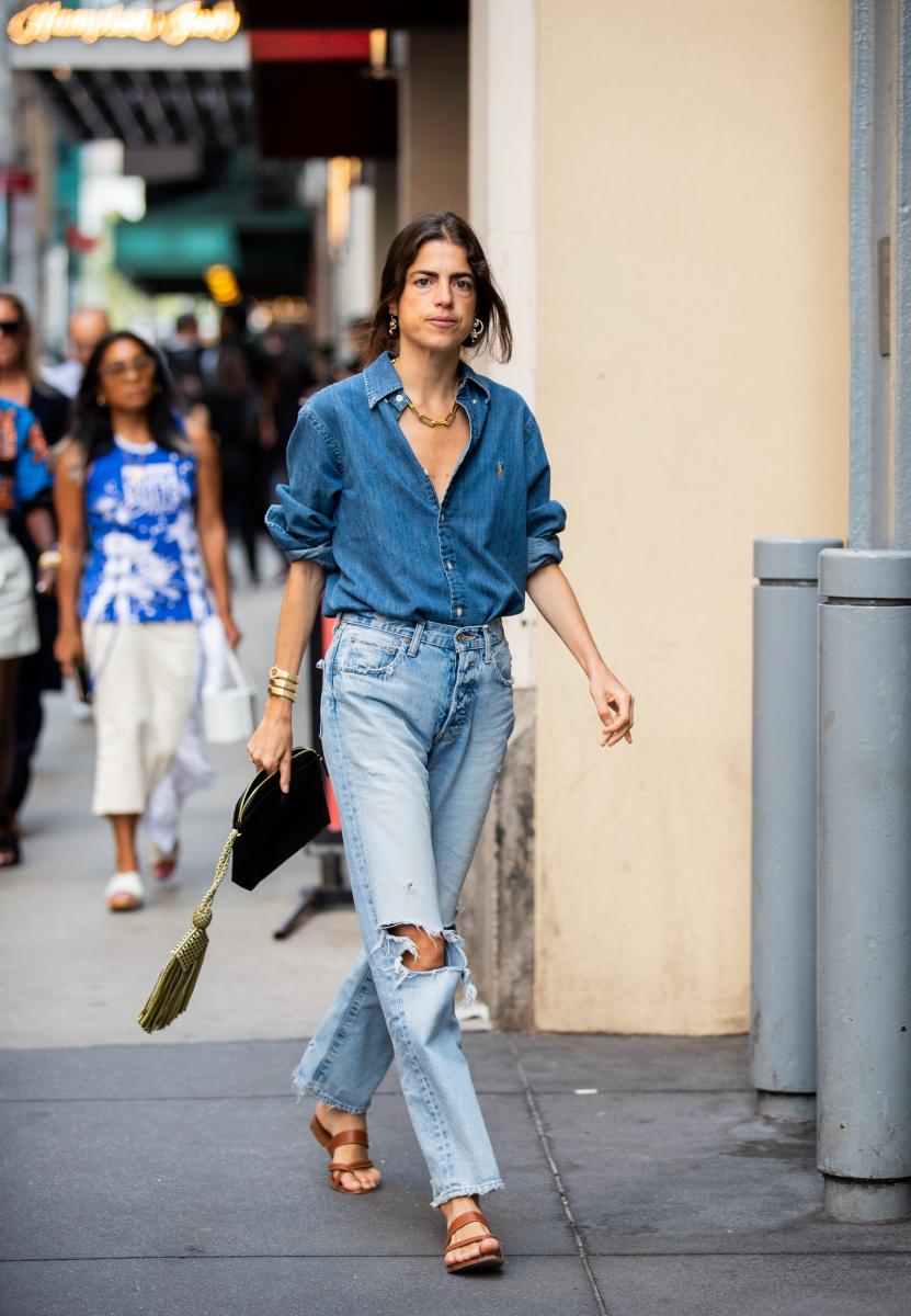 デニムシャツ&パンツで濃淡のグラデーションを