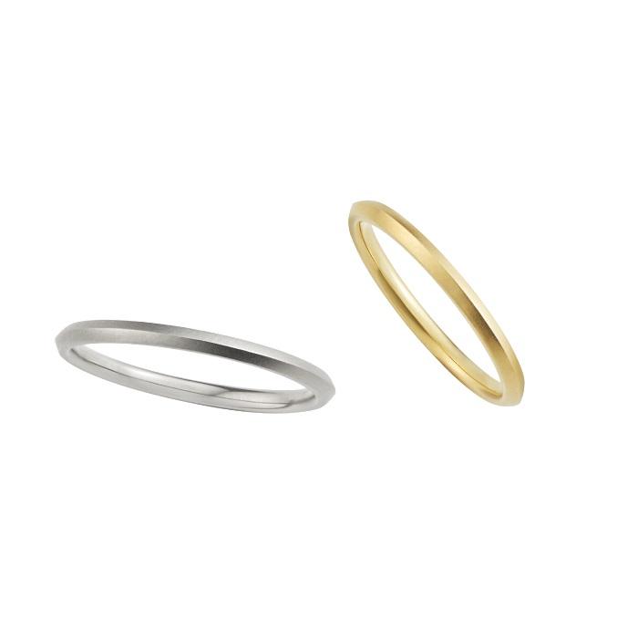 トライアングルでつくる正円が新鮮。すっきりとした形は美指効果も期待大。「TRIANGLE」(左)メンズリング〈WG〉¥95,000~、(右)レディースリング〈YG〉¥85,000~