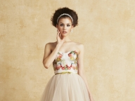エッジィな花柄ドレスに学ぶスウィートモード