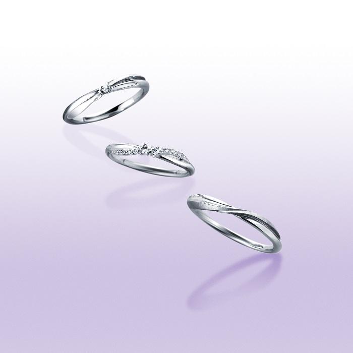 「STARGAZER」マリッジリング(上)〈Pt、ダイヤモンド〉¥88,000、(中)〈Pt、ダイヤモンド〉¥105,000、(下)〈Pt〉¥93,000