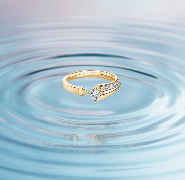 パヴェ リング〈YG、センターダイヤモンド0.3ct〉¥462,000~