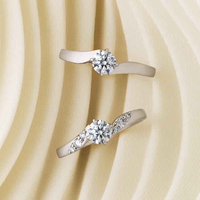 上から:エンゲージメントリング〈Pt、ダイヤモンド0.2ct~〉¥256,000~、エンゲージメントリング〈Pt、センターダイヤモンド0.2ct~〉¥276,000~