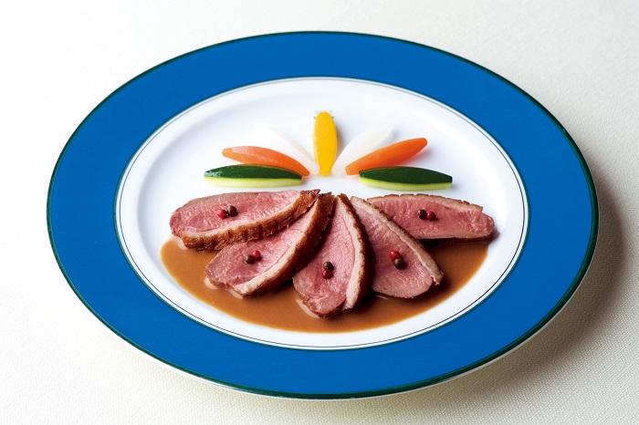 レストランを象徴するメニュー「幼鴨のロースト マルコポーロ」