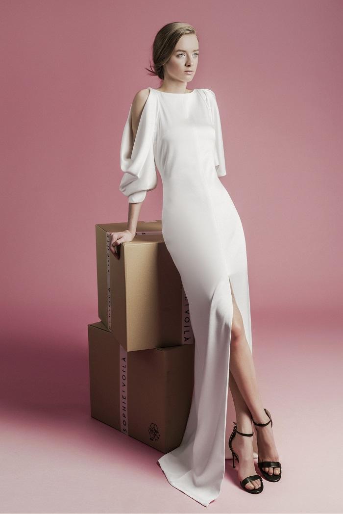 同素材で紡がれる、モダンなデザインとサスティナブルの精神が見事に共存したマリエ。ドレス¥350,000(レンタル)