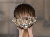 大人な花嫁はバックスタイルで魅せるのが正解