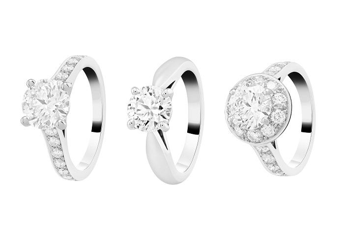 (左)「ロマンス」エンゲージメントリング〈Pt、ダイヤモンド0.3ct~〉¥720,000~、(中)「ボヌール」エンゲージメントリング〈Pt、ダイヤモンド0.3ct~〉¥495,000~、(右)「イコーヌ」エンゲージメントリング〈Pt、ダイヤモンド0.3ct~〉¥850,000~