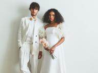 新時代の結婚式にマッチ! ituwaの新作ドレス&タキシードでモードなふたりに
