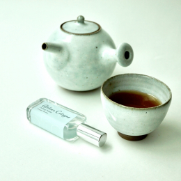 お茶でも ( ^-^)_旦~~ どうぞ