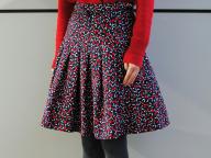 Vanessa Seward(ヴァネッサ・シュワード)の「グラマラス」な服