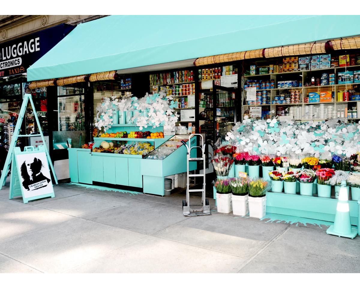 sale retailer 712ab 76f11 NYがブルーに染まった、『ティファニー ペーパーフラワー ...