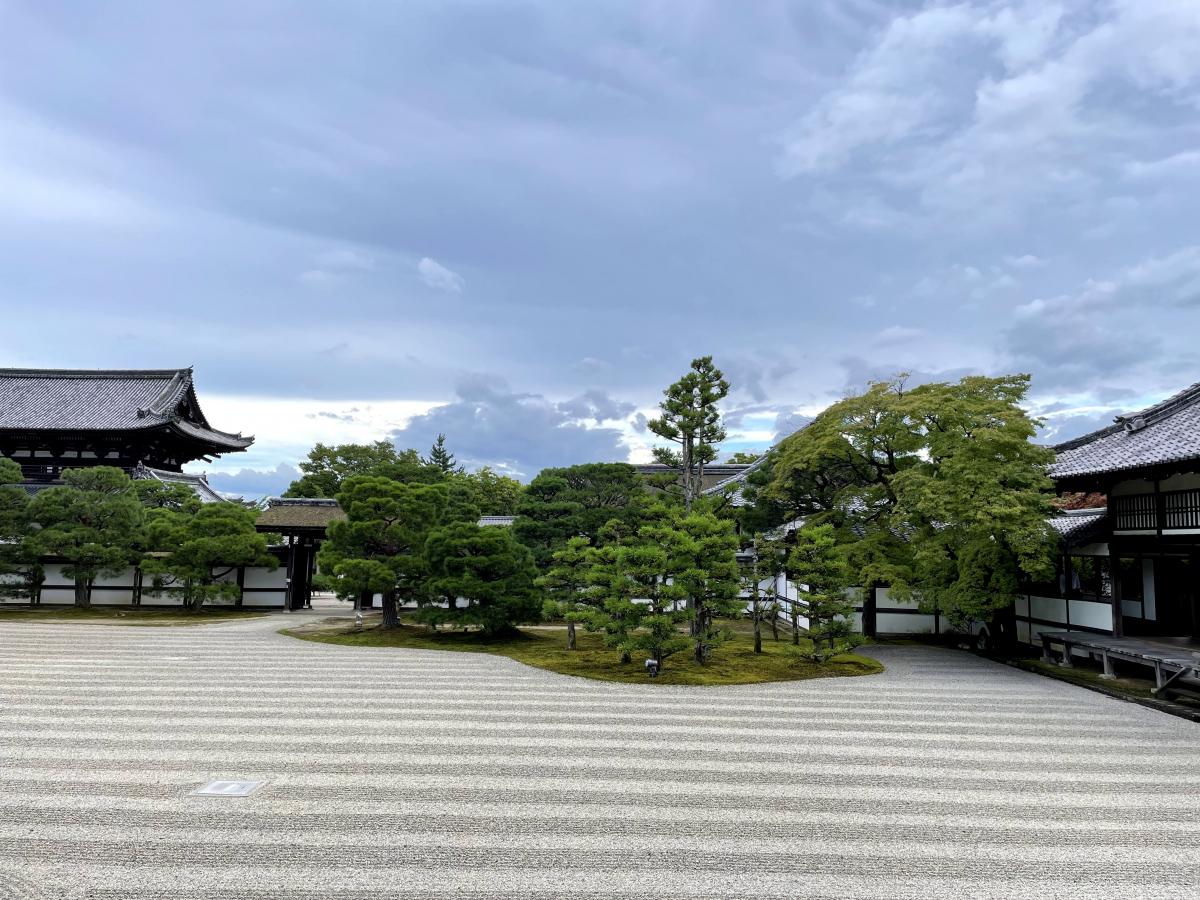 風紋が美しい仁和寺の庭