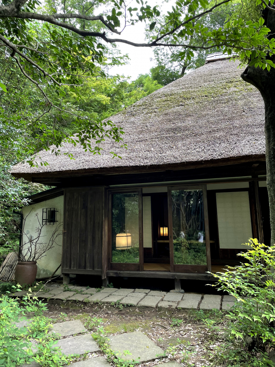 今年でオープン20周年! 武蔵と相模の境にある地に因んで、白洲次郎が「武相荘」と名付けたそうです。