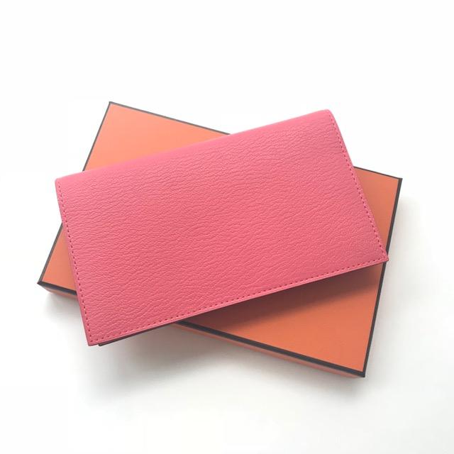 細長い「ヴィジョン」を選びました。ステッチもピンク!