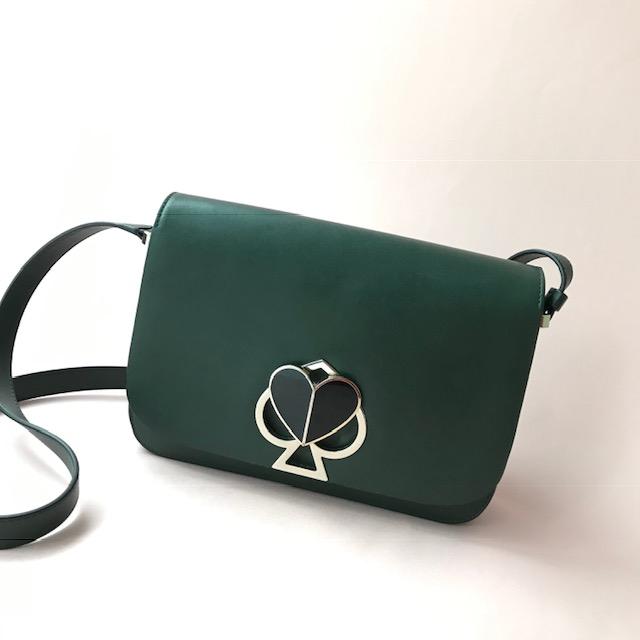 ニコラ・グラス自身もグリーンの「ニコラ」を愛用しているそう! お値段¥60,000