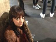 サラは勉強中@Emilio Pucci