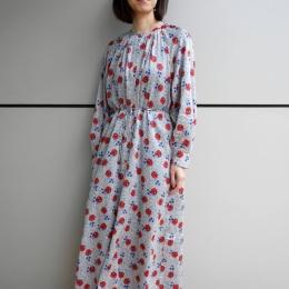 2月21日/デザイナーI/花柄ドレスで春を先取り