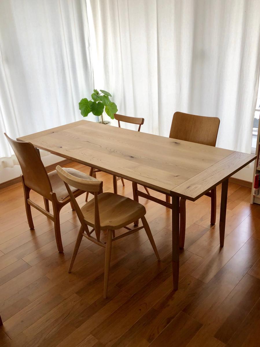 WOODWORKの「ALTERNATIVE TABLE」。天板の種類と、金属の脚部パーツは多くの種類から選べます。