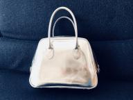 春、通勤バッグはコム デ ギャルソンで