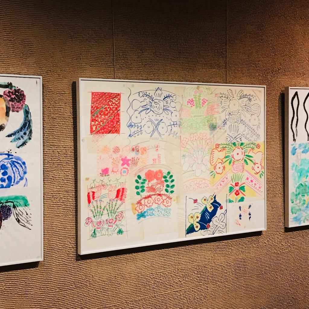 「マリメッコ」時代のアイデアのスケッチも展示されています