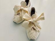 春を連れてくるのは、いつだって白い靴