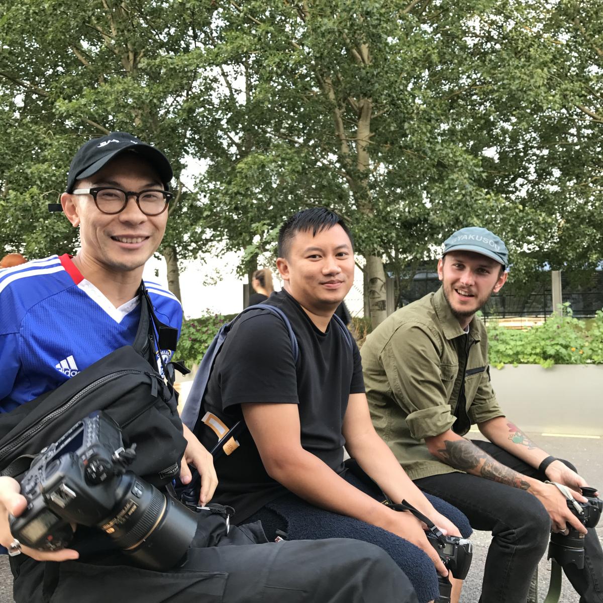 ちなみにこんなむさ苦しい連中が写真撮ってます。左からTyler Joe, Tommy Ton, Joe(写真9)