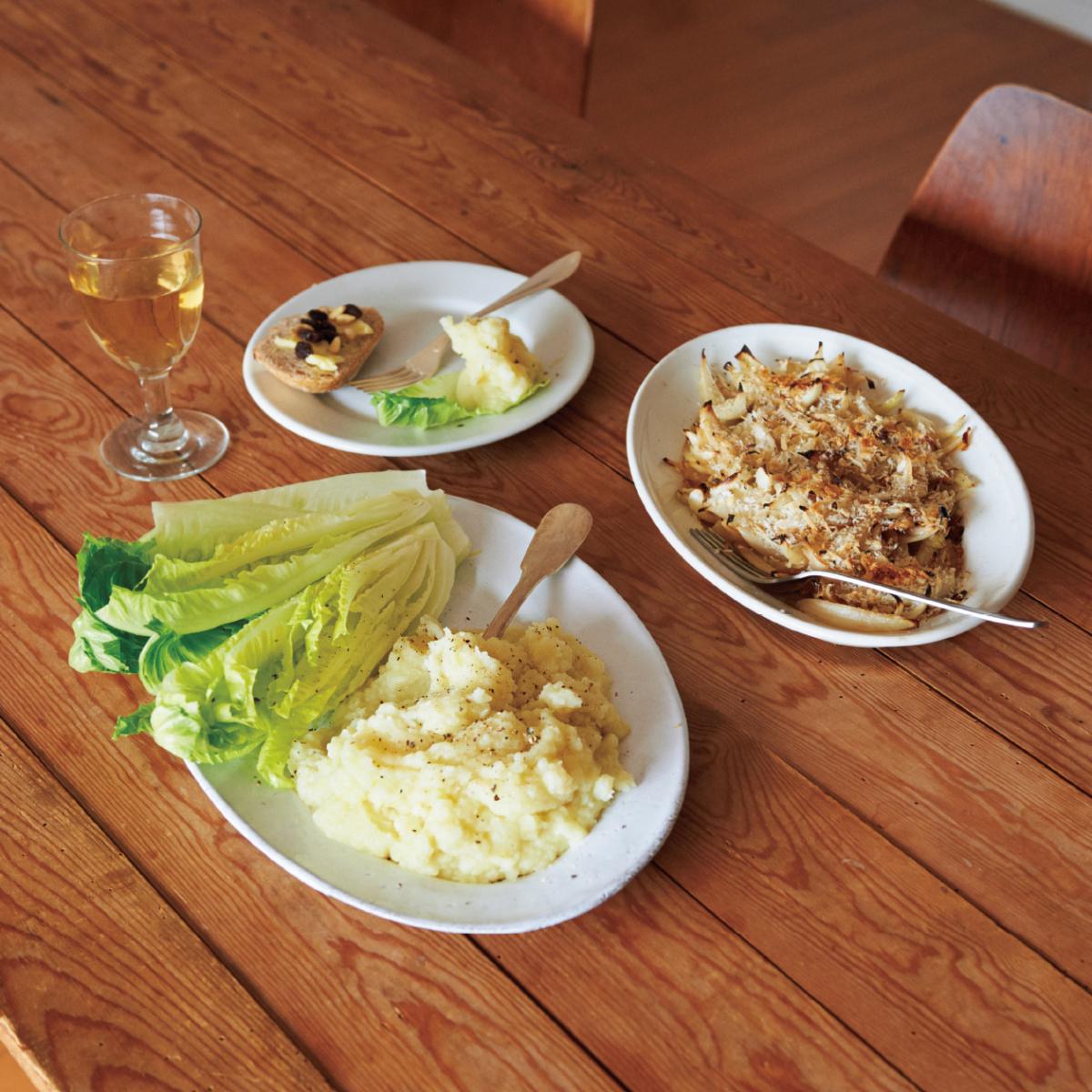 玉ねぎのアンチョビ風味焼き+カリフラワーとポテトのピュレ