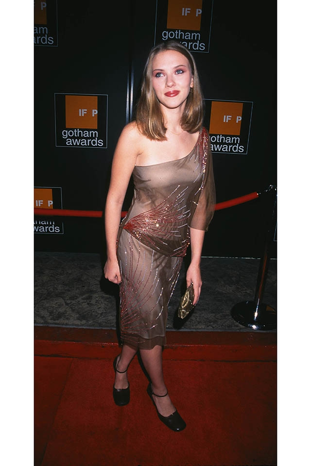 IFPゴッサム・アワードに出席した16歳のスカーレット(2001年) ©Star Max Photos/Newscom/Zeta Image