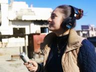 破壊されたシリアの町に響く「おはよう」の声。『ラジオ・コバニ』
