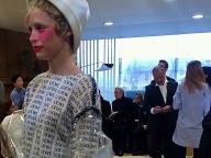 パリ・ファッションウィーク。ロエベのショー会場でアート探し