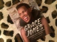 自伝の出版記念で、グレース・ジョーンズに対面!