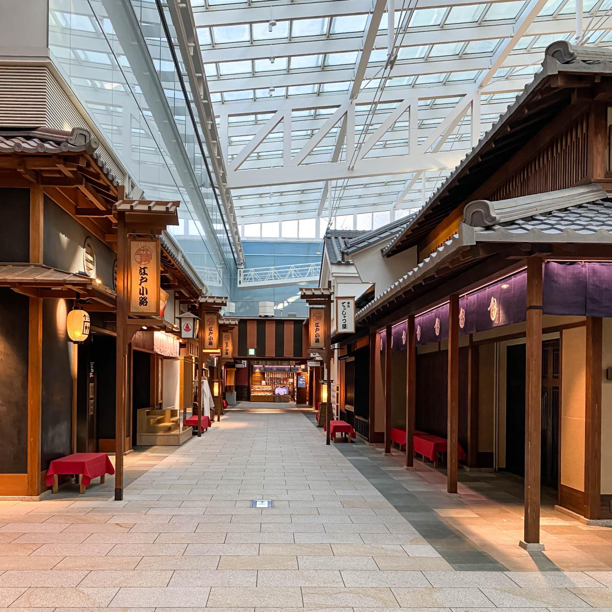 """4階レストラン街 """" 江戸小路 """" をパトロール!"""