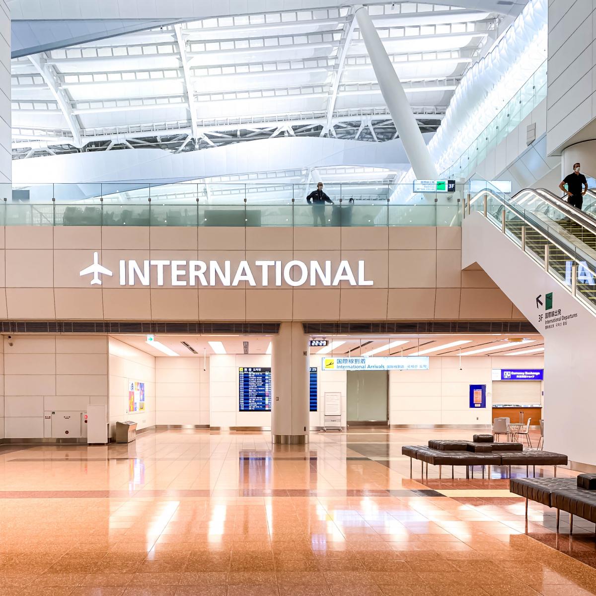 羽田空港第2ターミナル国際線エリアへ乱入、いえ、潜入、いや、見学に!