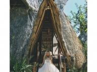 白いイノセントなドレスを着てお姫さま気分!